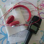 Aufnahme-Equipment: Mikrofon, Kopfhörer und Unterlagen