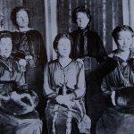 Auf diesem historischen Bild sieht man fünf DDP-Abgeordnete.