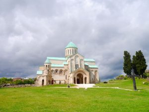 Kirche über der Stadt Kutaisi