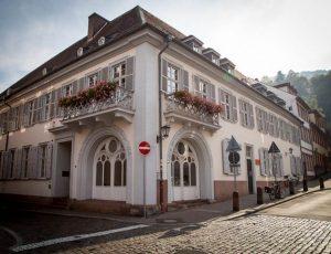 Das Bild zeigt das Graimbergpalais in der Heidelberger Altstadt.