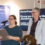 Jana Stahl (links am Mikrofon) und Susanne Martin (rechts, groß) auf der Frankfurter Buchmesse 2018.
