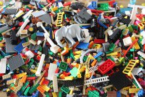 Berg von Legosteinen