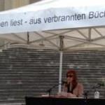 Leseaktion zur Bücherverbrennung Königsplatz/München