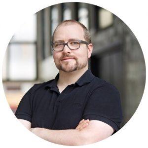 Volker Oppmann, kurze Haare, Brille, Bart